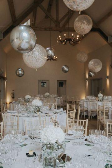 como hacer centros de mesa con globos para boda