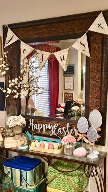 mesas decoradas con flores de papel para cumpleaños