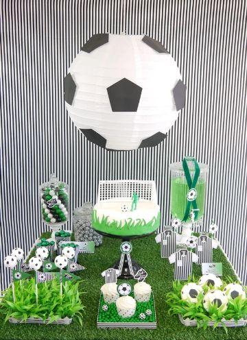 decoracion cumple de futbol para niñas