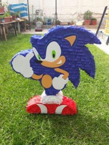piñata tematica de sonic para cumpleaños