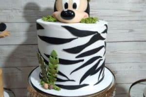 4 hermosas tortas de mickey safari para cumpleaños de chicos