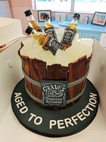 divertidas tortas de cumpleaños para hombres de 50