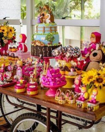 mesa de dulces de masha y el oso en casa