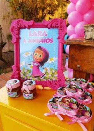 mesa de dulces de masha y el oso para fiesta