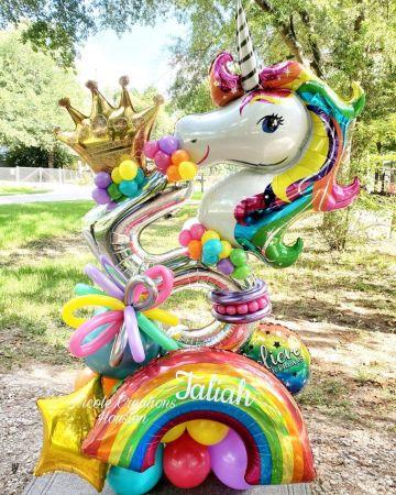 arreglos de unicornio con globos para fiestas
