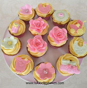 cupcakes para bautizo de niña variados