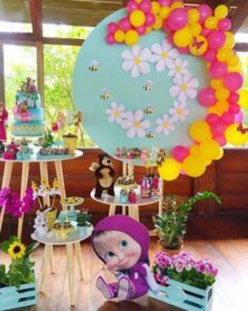 decoracion con globos de masha y el oso sencilla