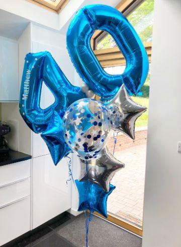 decoracion con globos para hombres mayores