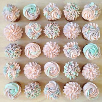 decoracion de cupcakes para bautizo de niña
