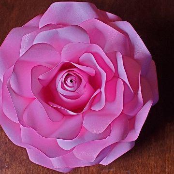 rosas de cartulina para decorar grandes
