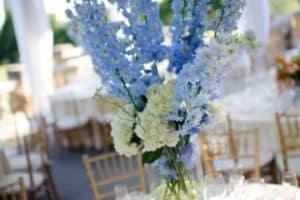 4 hermosos centros de mesa azul con blanco para fiestas