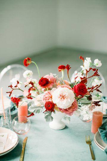 centros de mesa en rojo y blanco elegantes