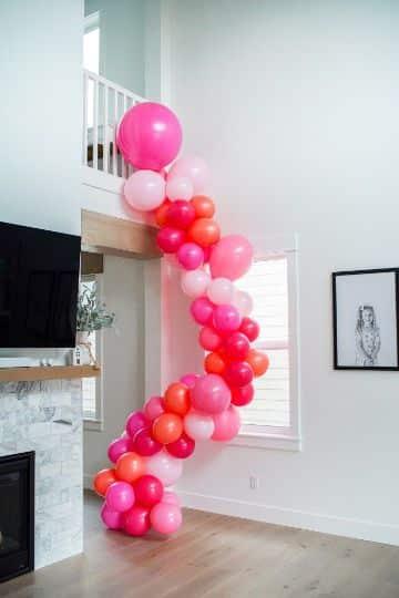 como hacer guirnaldas de globos para cumpleaños