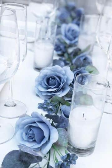 flores azules para centros de mesa para bodas
