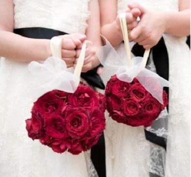 ramos de rosas para niñas en boda