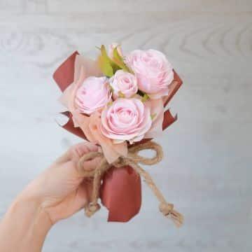 ramos de rosas para niñas pequeñas