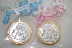 4 ideas para hacer bolos para bautizo con monedas