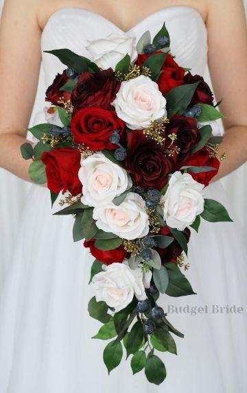 4 estilos de ramos de flores blancas y rojas
