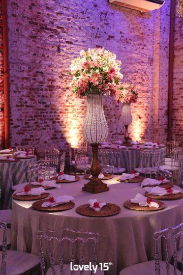 4 ideas de decoraciones de 15 años para mesas