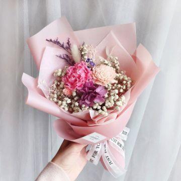 4 ramos de flores para niña