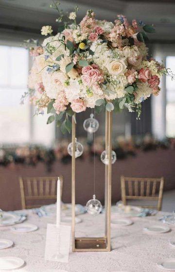 decoraciones de mesas de 15 años con centro de mesa
