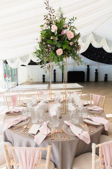 decoraciones de mesas de 15 años rosado y gris