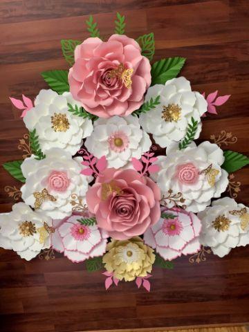 flores de cartulina para bautizo de niña