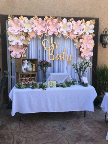 ideas con flores para bautizo de papel