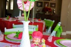 4 hermosos centro de mesa de frutillita para fiestas infantiles