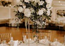 4 estilos de centros de mesa con rosas blancas