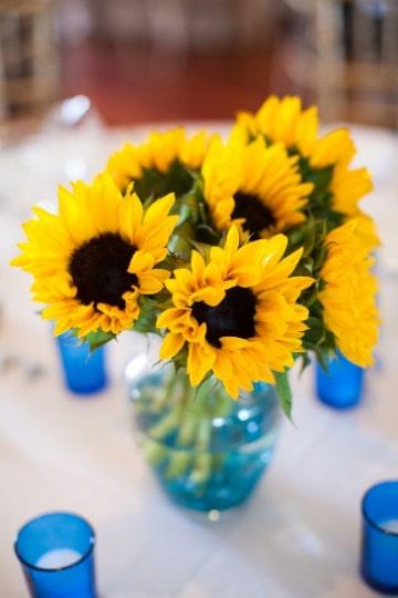 centros de mesa de girasoles para boda economico