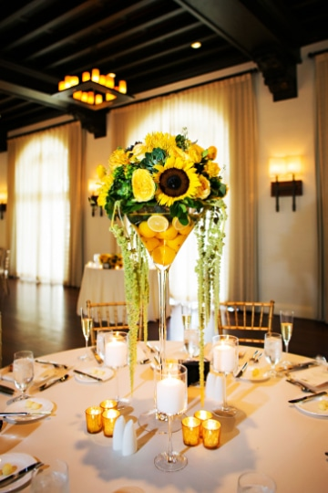 centros de mesa de girasoles para boda grande