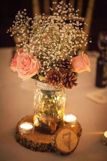 centros de mesa para 15 con frascos y flores