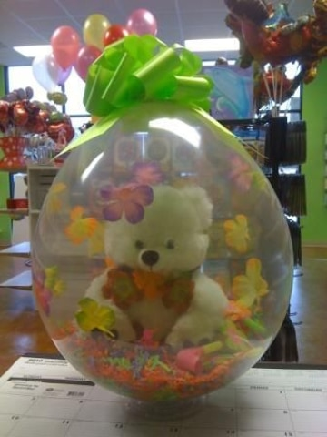 arreglos florales con peluches y globos lindos