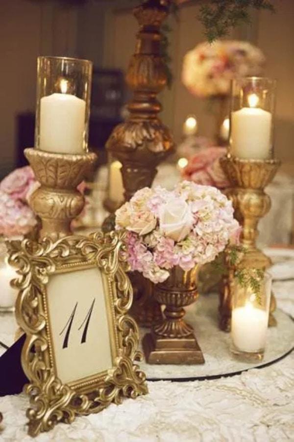 centro de mesa con numeros para bodas