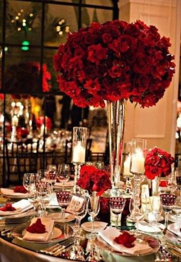 centros de mesa con flores rojas matrimoniales