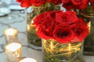 4 ideas para centros de mesa con flores rojas