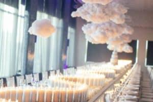 4 centros de mesa con nube y rosas para matrimonios