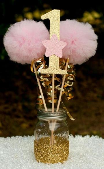 centros de mesa rosa con dorado para fiestas de niñas