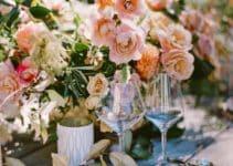 4 estilos de centros de mesa rosa con dorado