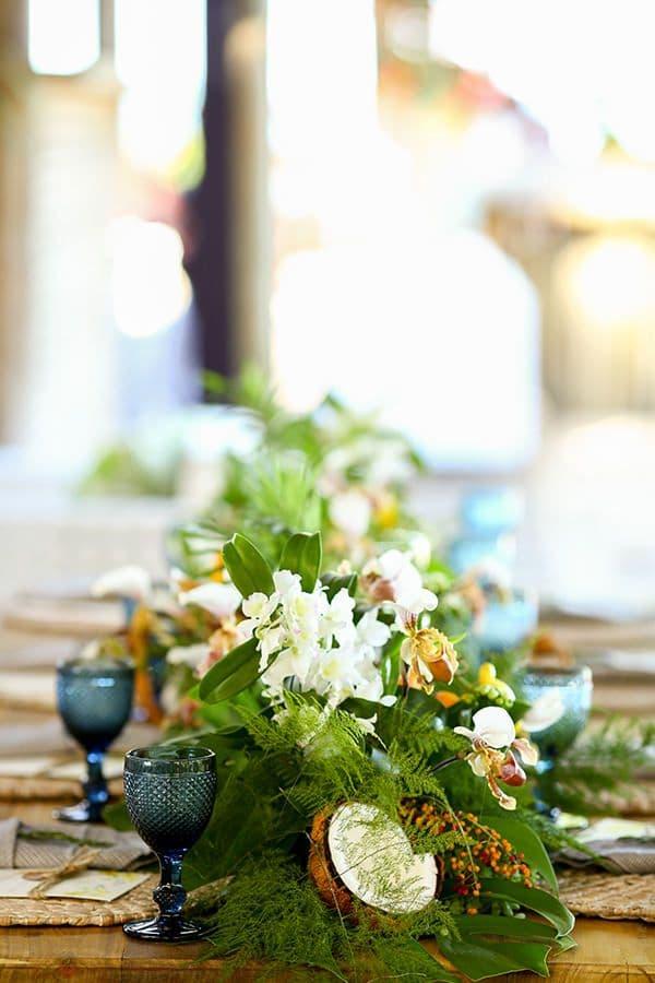 Centros de mesa con cocos para bodas
