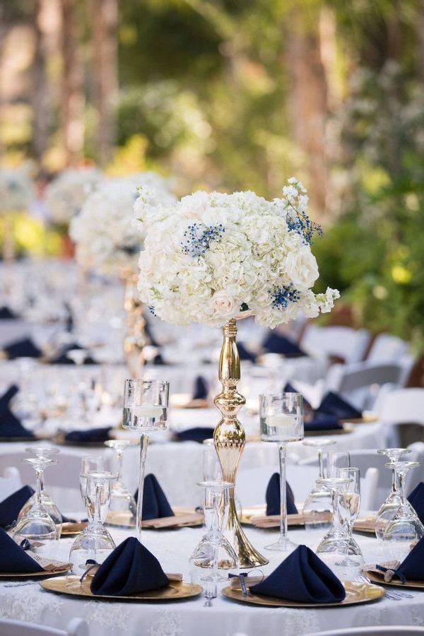 centros de mesa azul marino para bodas