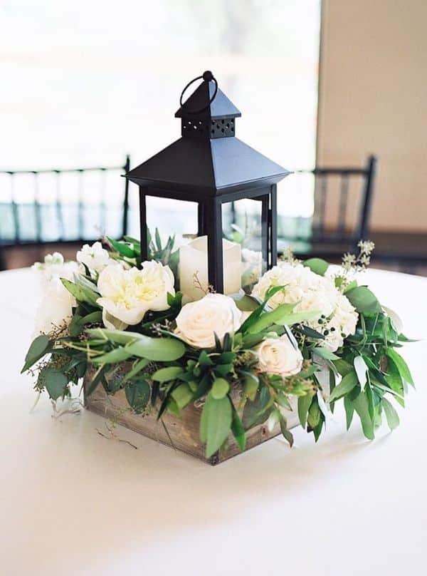 centros de mesa con lamparas y velas