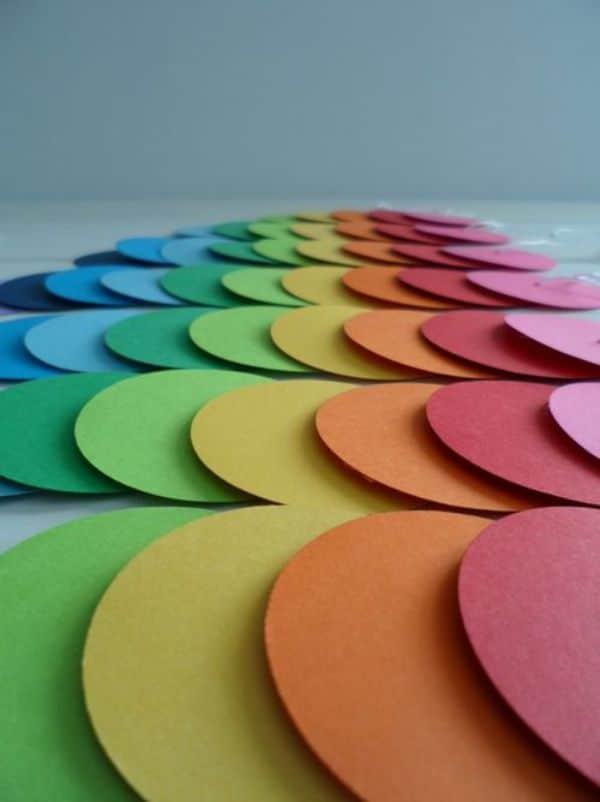 Guirnaldas redondas de cartulina de colores