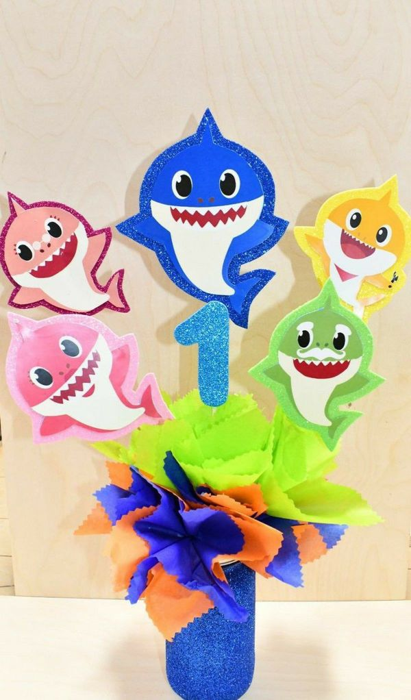 como hacer adornos de cumpleaños de baby shark
