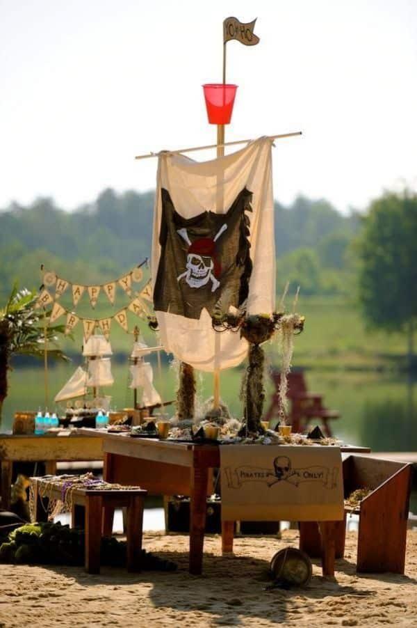 Decoracion de piratas para niños con barcos