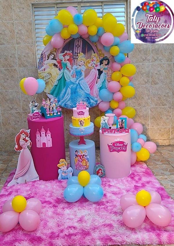 decoracion de princesas para cumpleaños en mesa