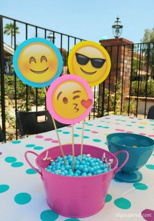 centros de mesa de emojis divertidos