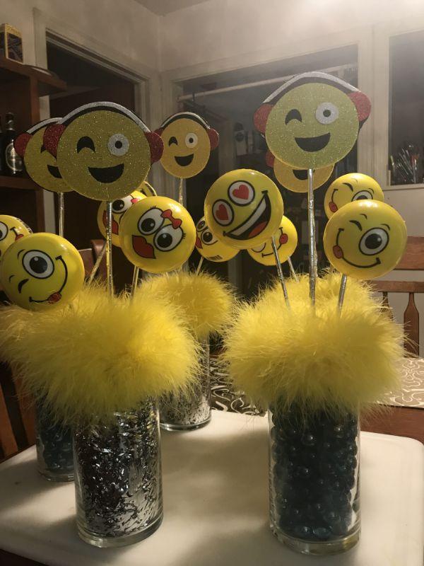 centros de mesa de emojis paso a paso