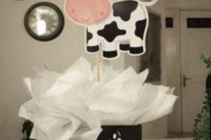 3 centros de mesa de la vaca lola para cumple de niña